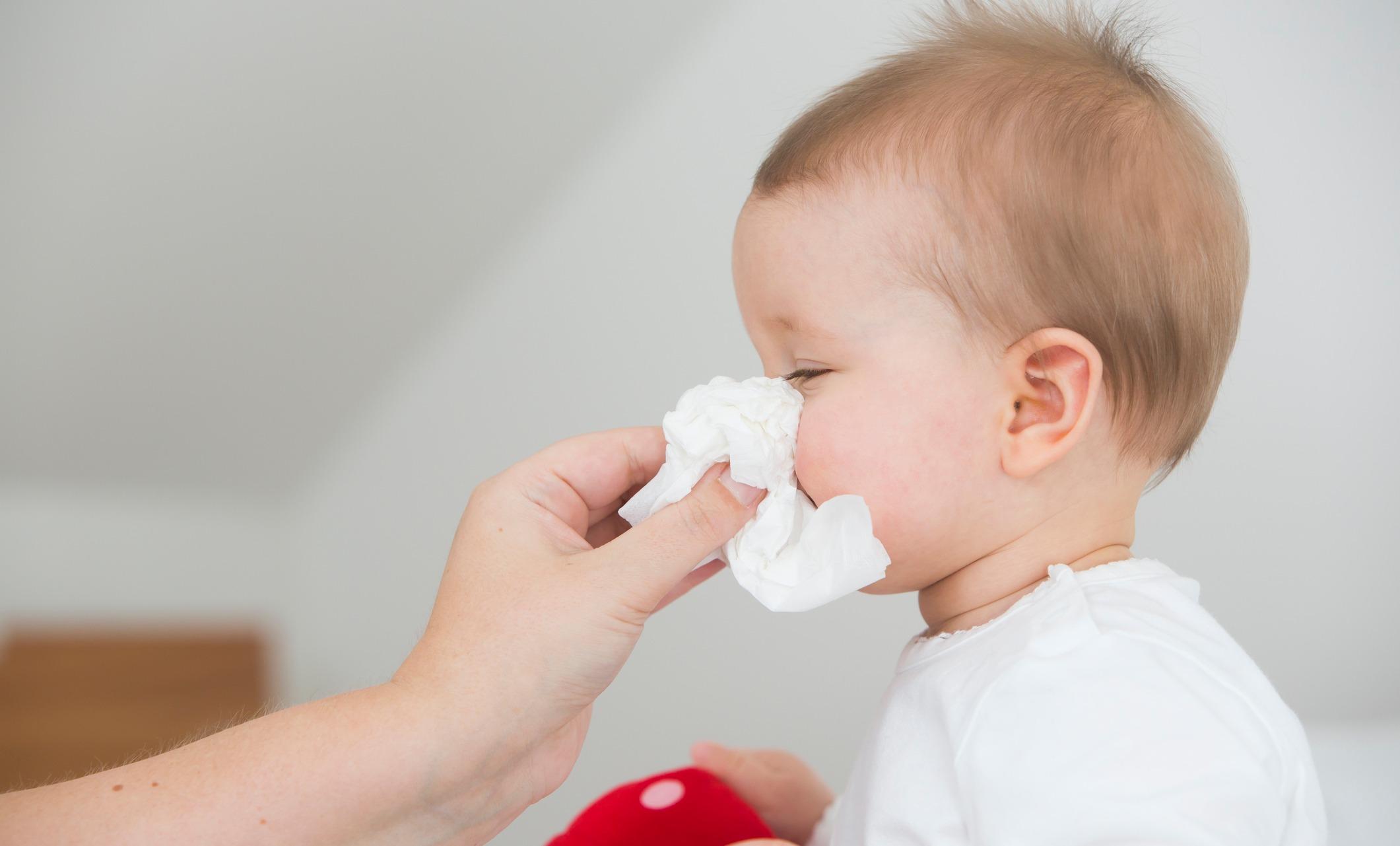 Врачи: капли от насморка смертельно опасны для детей