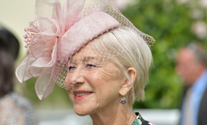 73-летняя Хелен Миррен примерила школьный образ