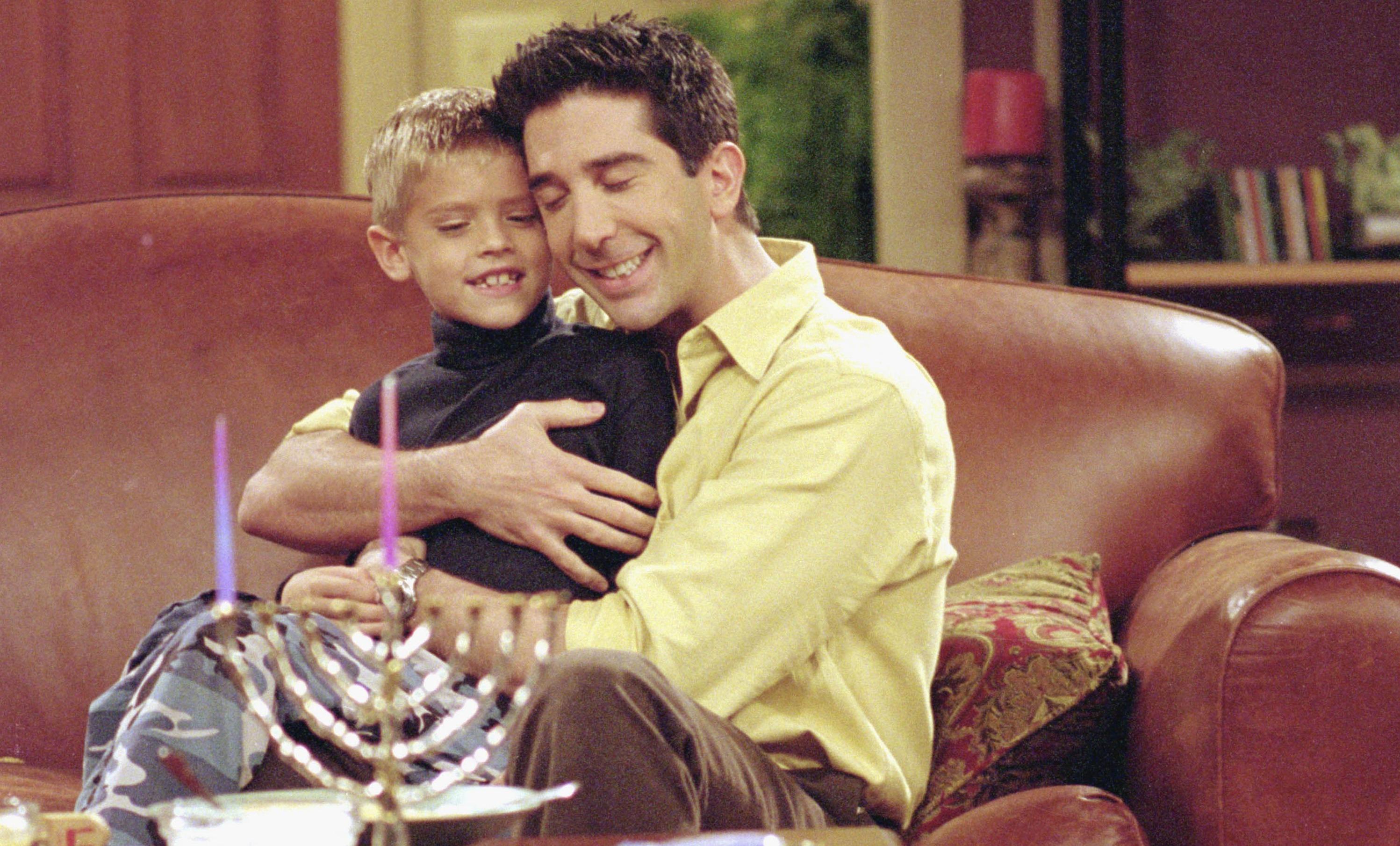 Что стало с мальчиком, который играл сына Росса в «Друзьях»