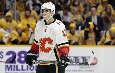 """Нападающий """"Калгари"""" Гудро признан первой звездой дня в НХЛ"""