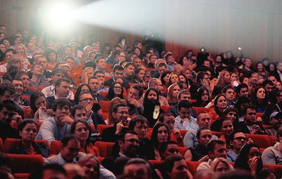 Фонд кино опроверг информацию о сокращении кинозалов в России