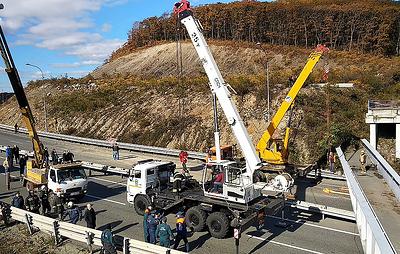 Во Владивостоке открыли движение по объездной трассе, на которую ранее упал виадук