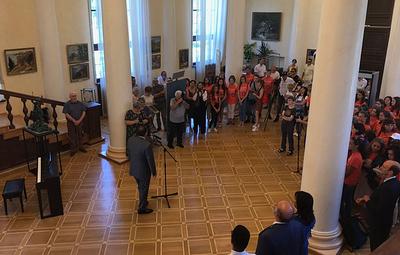 """На выставке Сергея Андрияки и воспитанников """"Сириуса"""" в Сочи представили 400 работ"""