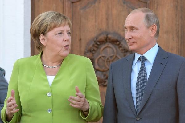 Путин и Меркель проговорили три часа