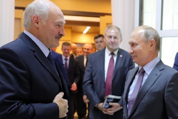 Лукашенко начал просить у России еще один миллиард долларов
