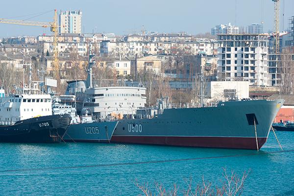 Киев опроверг переговоры с Россией о проходе украинских кораблей возле Крыма