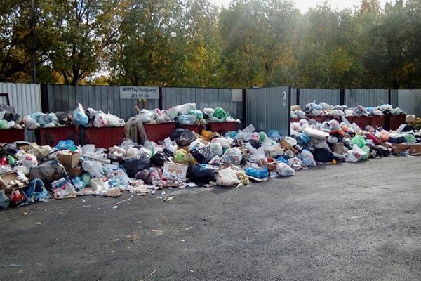 Челябинск утонул в мусоре