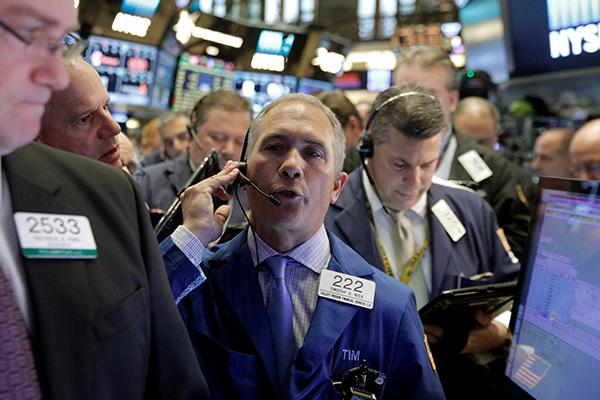 В США начали играть против рубля