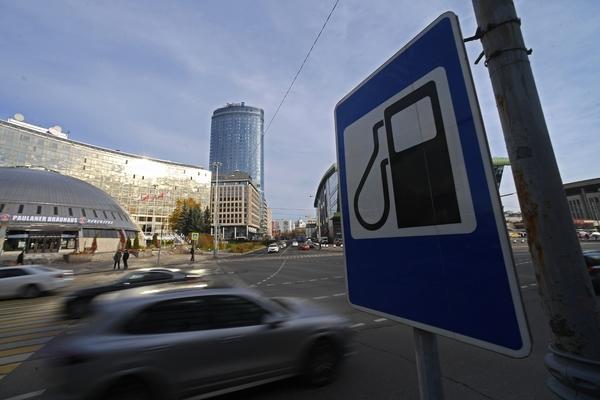 Правительство «не хочет и не будет» регулировать цены на бензин
