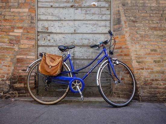 Женщине-велосипедисту пригрозили лишением водительских прав