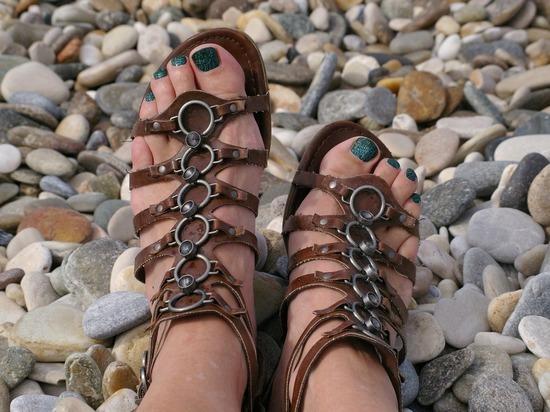 Ижевские конструкторы создали сандалии для слепых, способные «видеть» препятствие