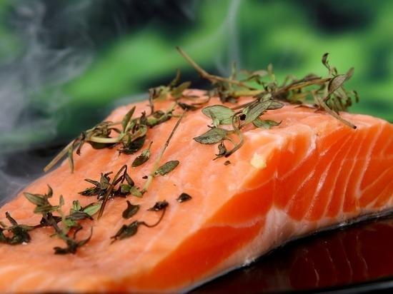 Роскачество назвало бренды, подменяющие рыбу в лососевых консервах