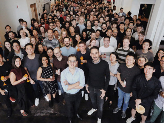Основатели Instagram сообщили о своем уходе из компании